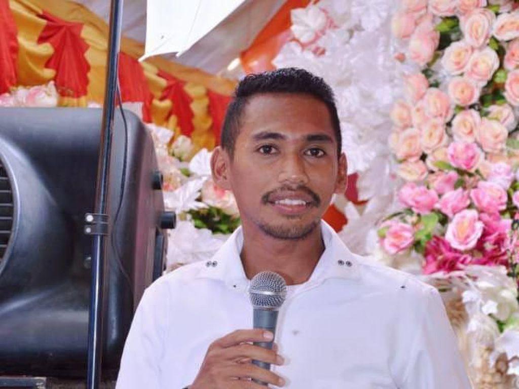 Kalahkan Ketua DPC PD, Tukang Galon di Muna Barat Lolos Jadi Anggota DPRD