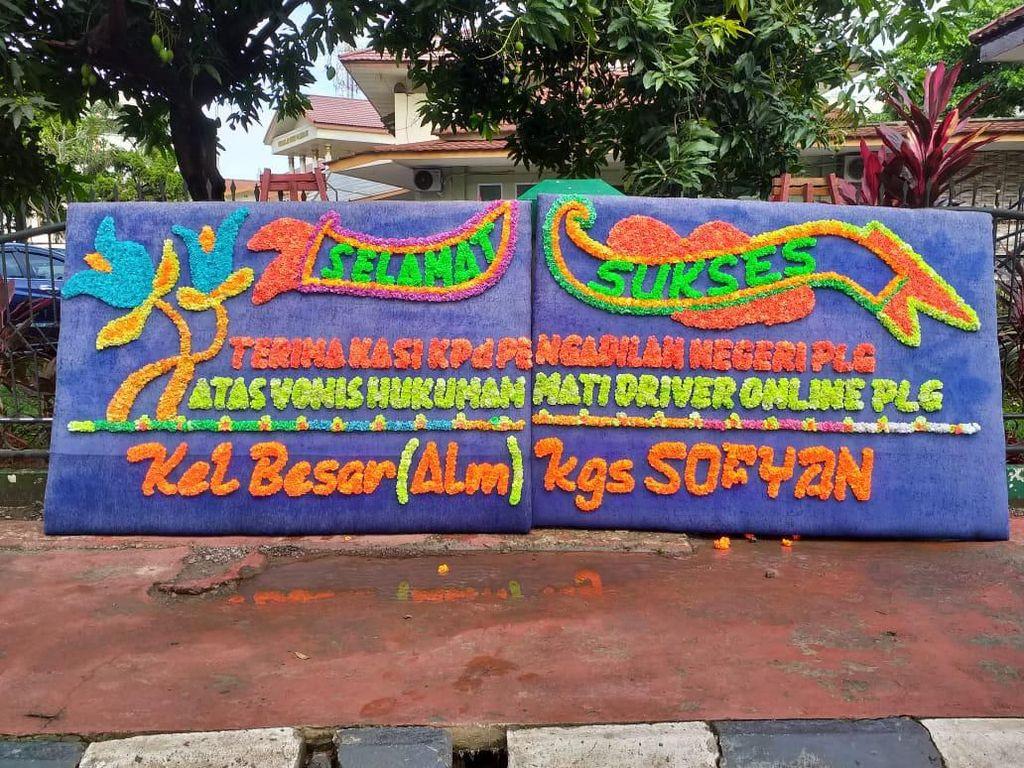 Vonis Mati 2 Pembunuh Sopir Taksi Online, PN Palembang Dikirimi Bunga