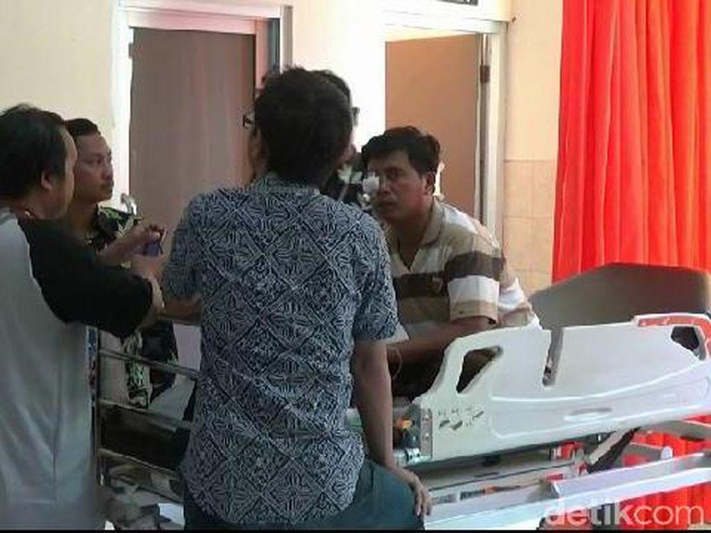 Dituduh Ngebut Saat Bawa Jenazah, Sopir Ambulans Ini Dipukul Warga