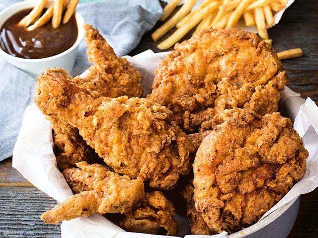 Selain Enak Makan Kulit Ayam Tak Bahayakan Kesehatan
