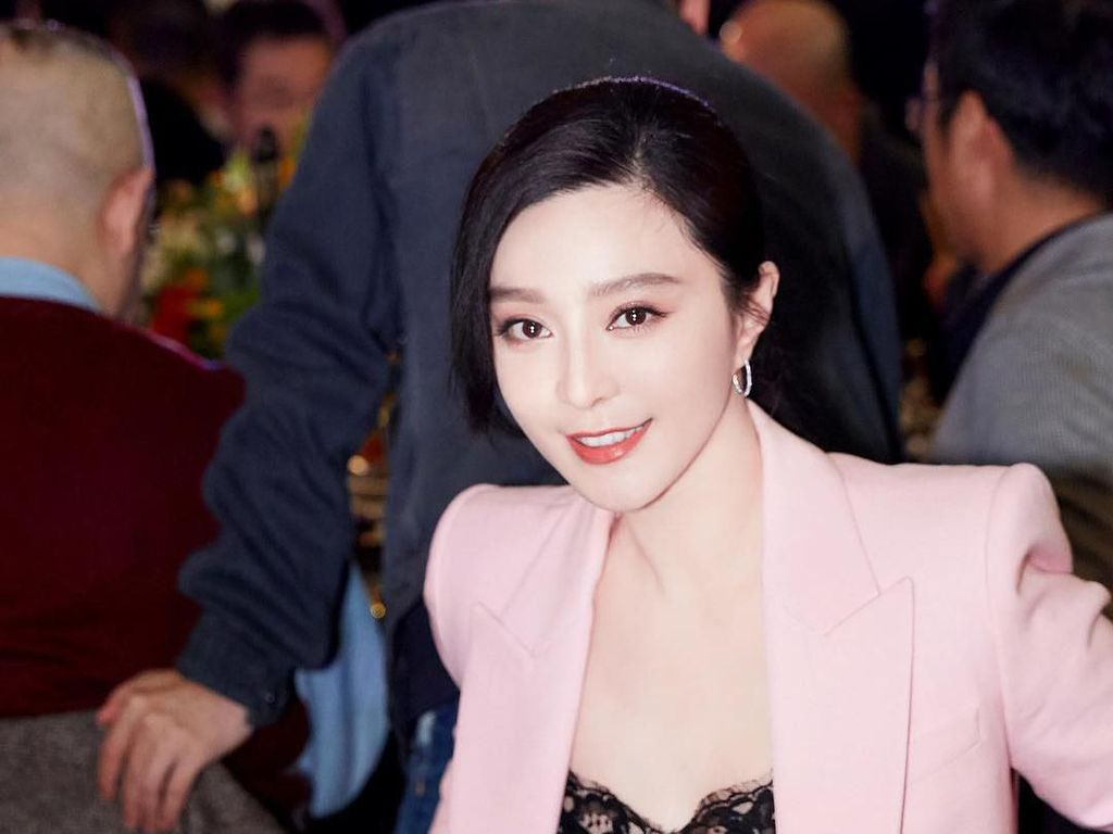 Cantiknya Penampilan Perdana Fan Bingbing Setelah Menghilang Misterius
