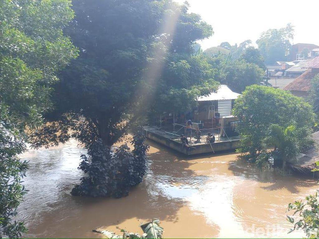 RW di Pejaten Timur Terendam Banjir 3-4 Meter