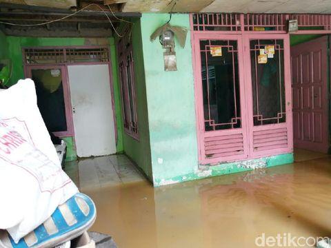 Ribuan Warga di Cawang Kebanjiran, Janji Anies soal Naturalisasi Ditagih