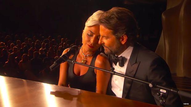 Bradley Cooper & Lady Gaga