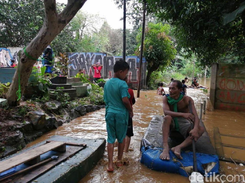 BPBD Update Banjir Jakarta: 2 Orang Meninggal, 529 Jiwa Mengungsi