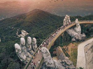 Potret Jembatan Emas Vietnam yang Mengagumkan