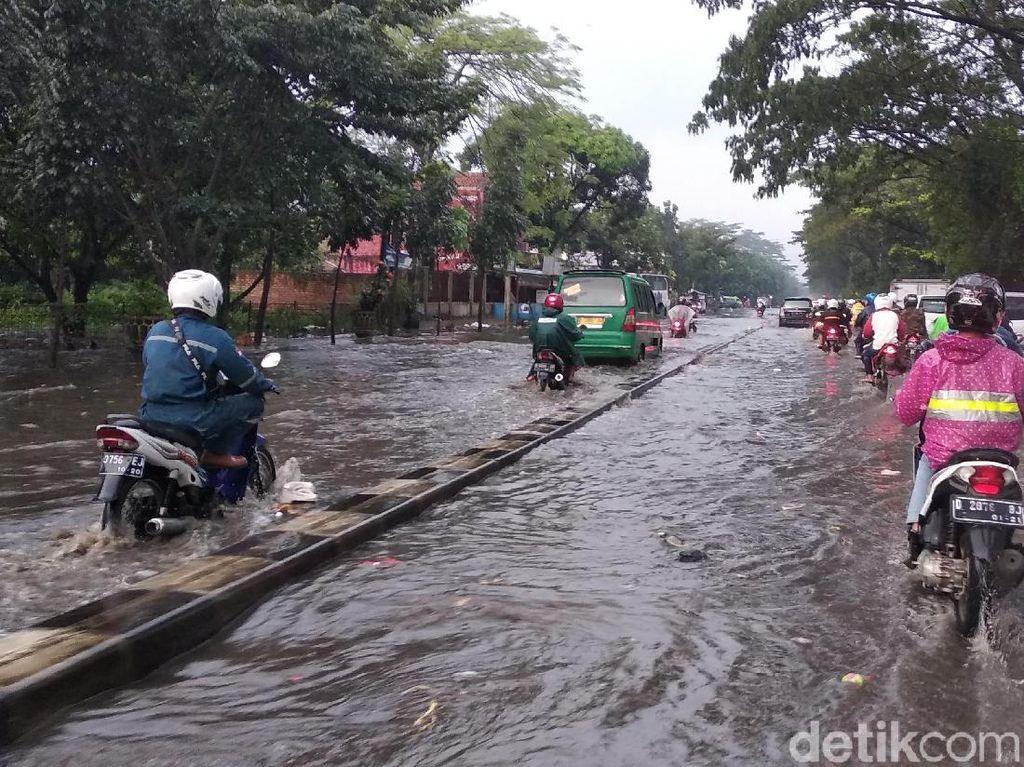 Hujan Deras, Kawasan Gedebage Bandung Terendam Banjir