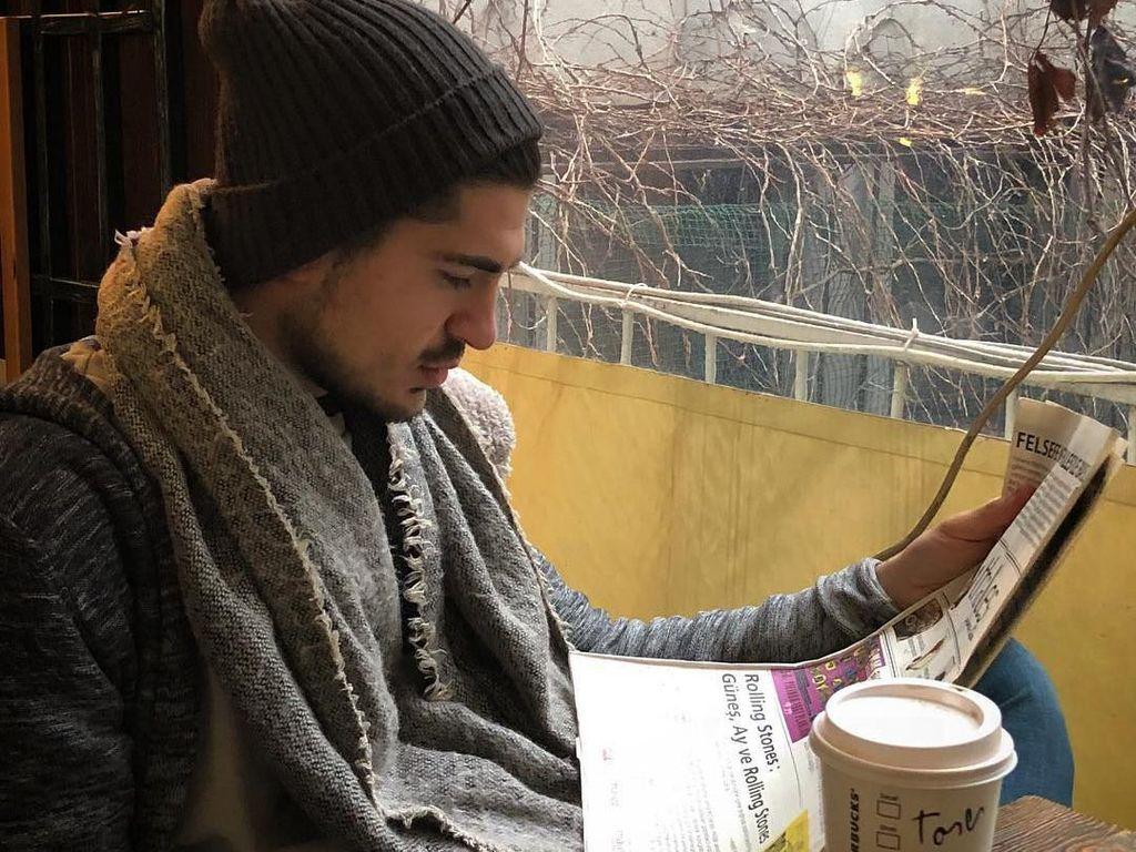 Pria Asal Turki yang Cium Ayu Ting Ting Ini Ternyata Penikmat Kopi