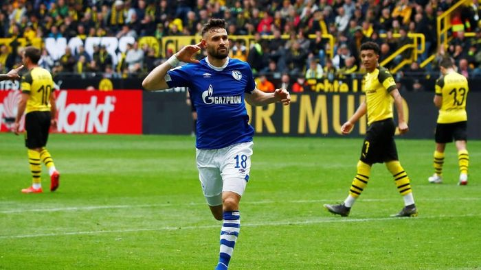 Borussia Dortmund kalah 2-4 dari Schalke 04. (Foto: Wolfgang Rattay/Reuters)