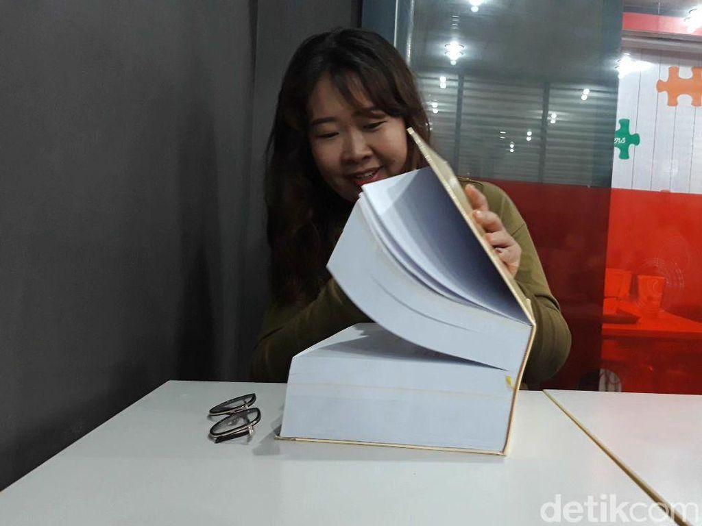 Sempat Viral, Mahasiswi Ubaya Bikin Skripsi Setebal 1.150 Halaman
