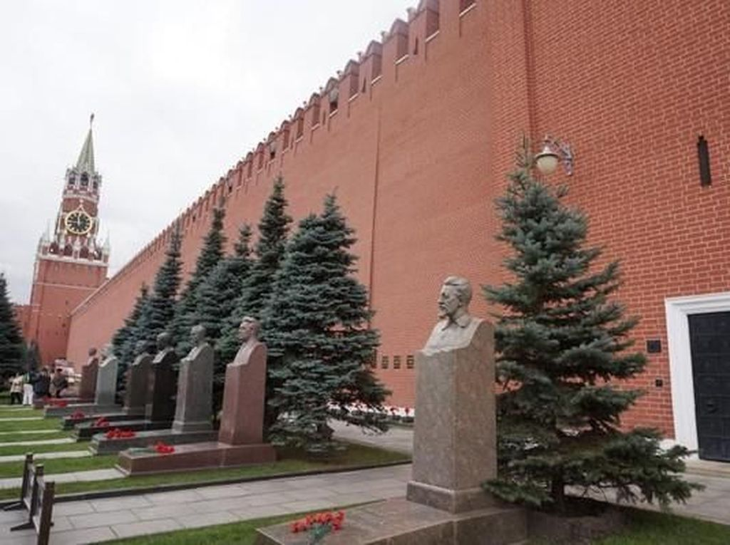 Melihat Jasad Lenin yang Wafat 95 Tahun Lalu