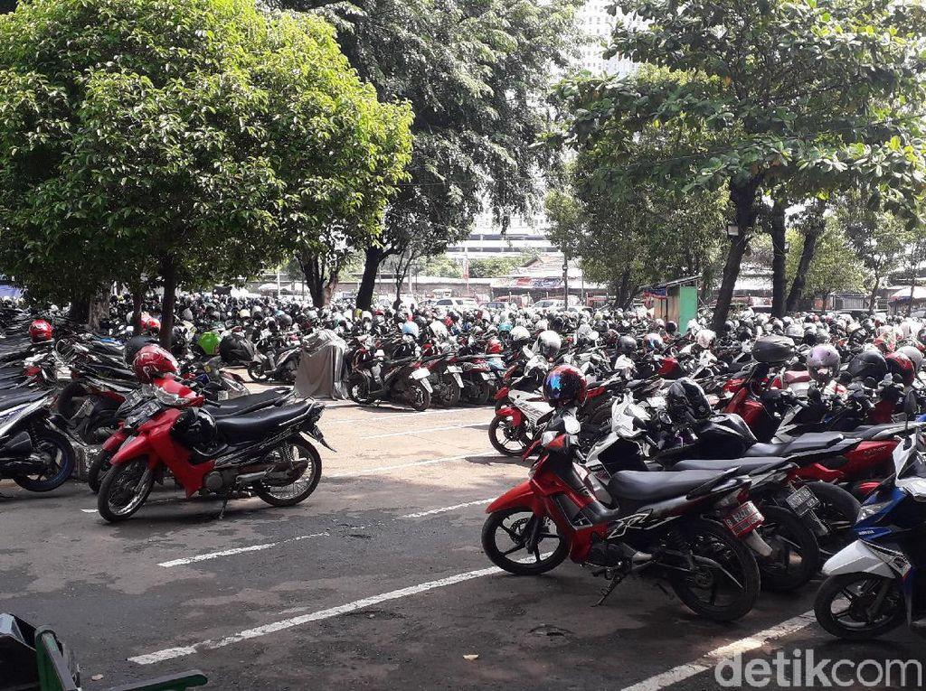 Sepedanya Hilang di Stasiun, Pria Ini Berharap Ada Parkiran Khusus yang Aman