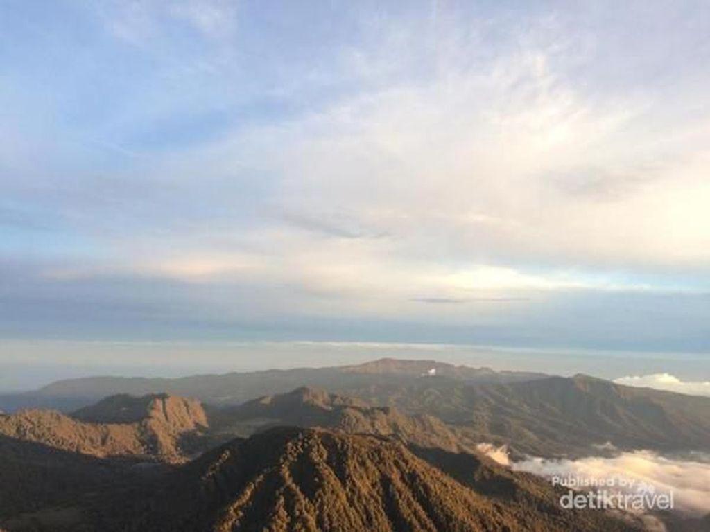 Lihat Dulu Pesona Gunung Semeru Sebelum Dibuka Kembali
