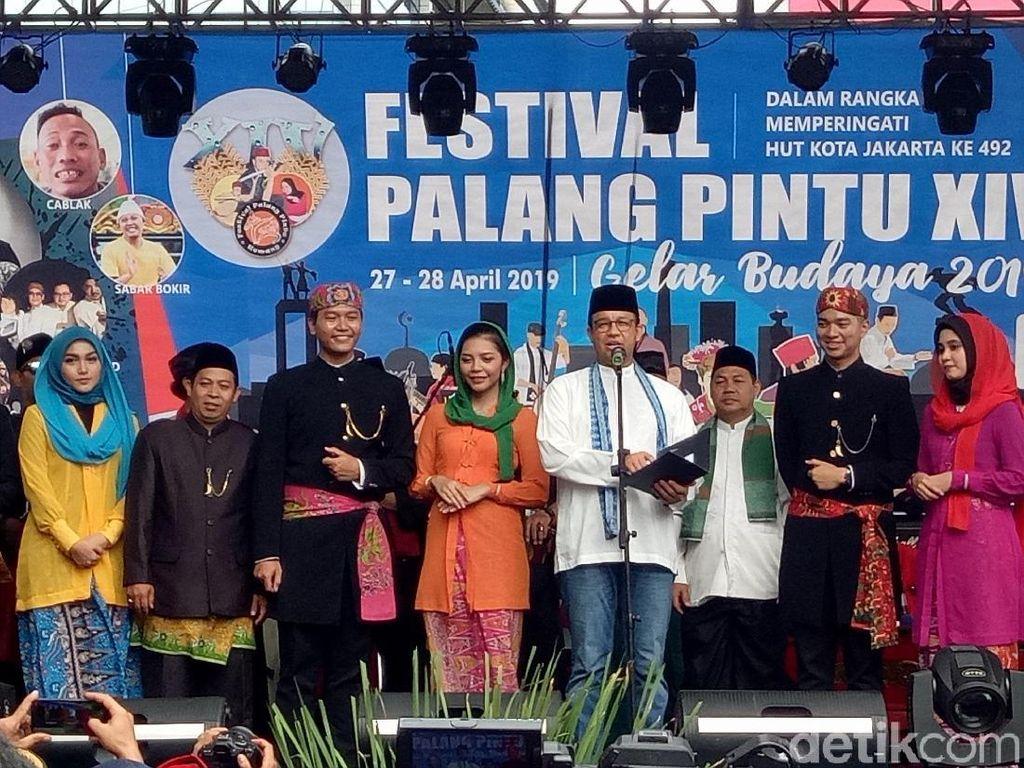 Didampingi Cak Imin, Anies Buka Festival Palang Pintu di Kemang