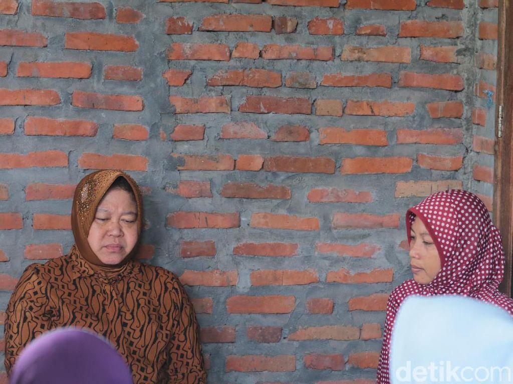 Risma Berikan Pekerjaan dan Beasiswa untuk Keluarga KPPS yang Wafat