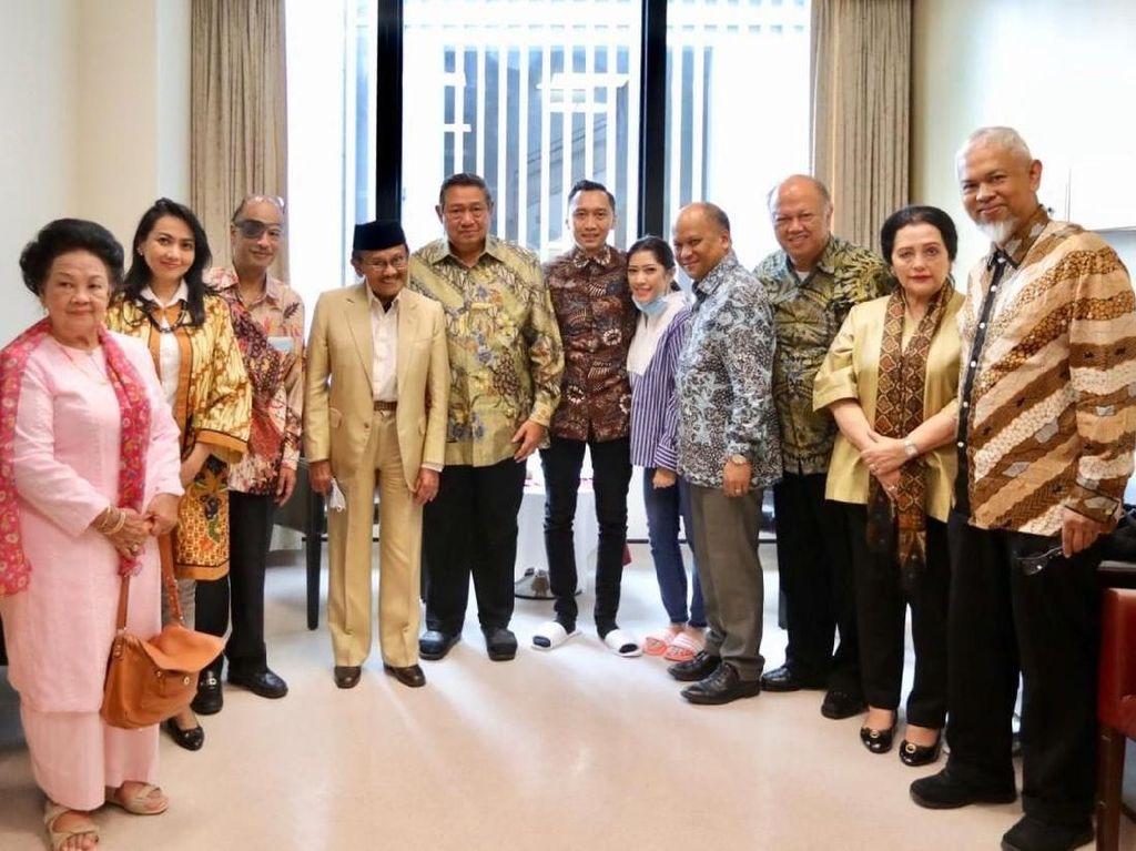 SBY: BJ Habibie Tak Hanya Bapak Demokrasi tapi Juga Bapak Teknologi