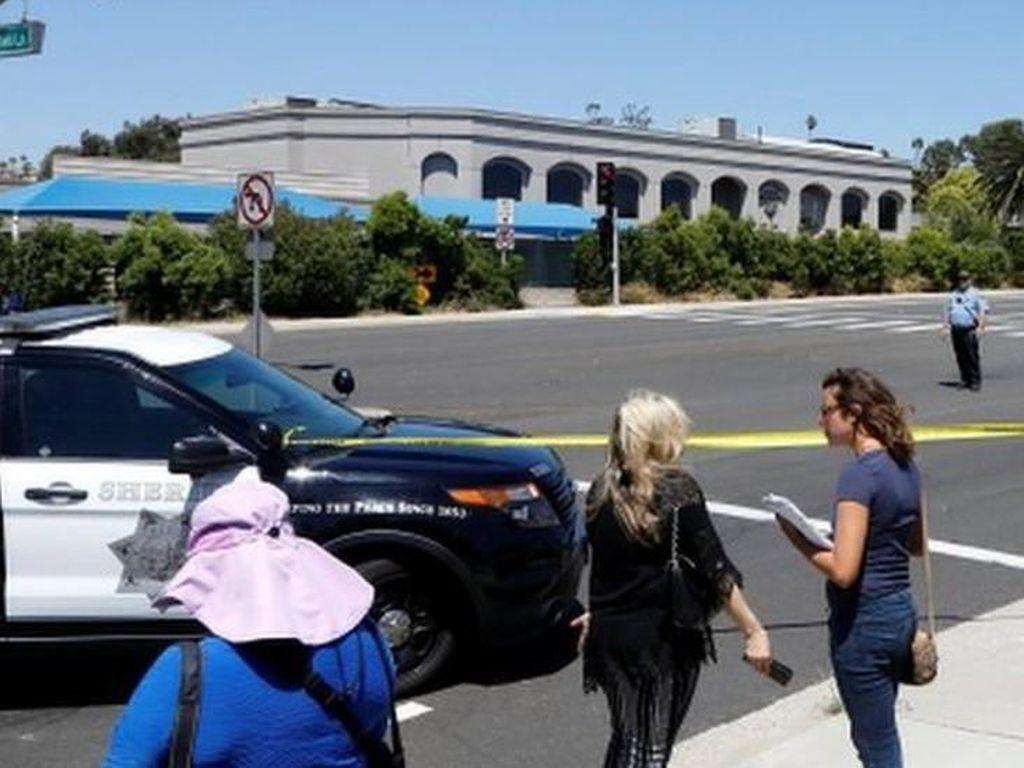 Pria Bersenjata Serang Sinagog di AS: 1 Orang Meninggal, 3 Terluka