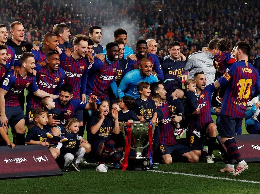 Pesta Juara Barca di Camp Nou
