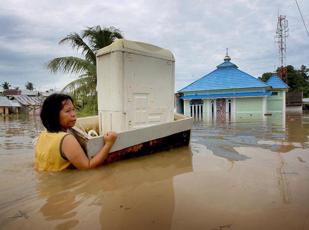 Gubernur: Korban Dampak Banjir Bengkulu 13.000 Orang