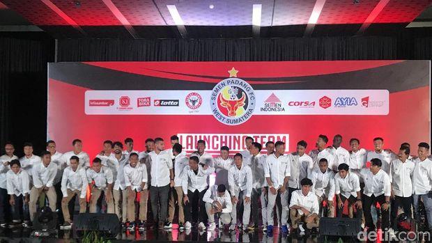 Semen Padang meluncurkan tim menuju Liga 1 2019.