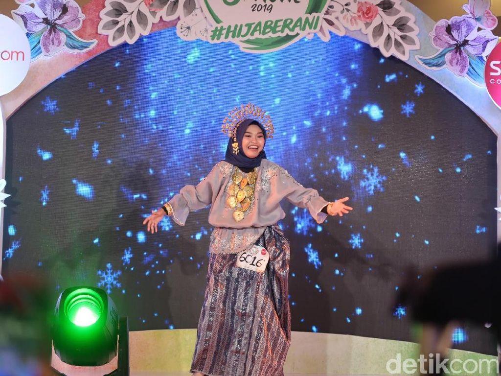 2 Hijabers Pukau Juri Sunsilk Hijab Hunt Bawakan Puisi dengan Alunan Musik