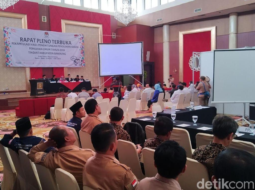 450 TNI-Polri Jaga Ketat Rapat Pleno KPU Kabupaten Bandung