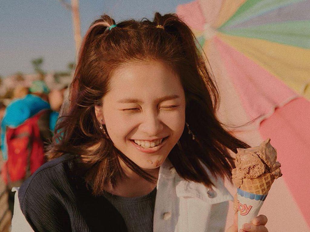Duh, Imutnya Yeri Red Velvet Kalau Lagi Makan Es Krim!