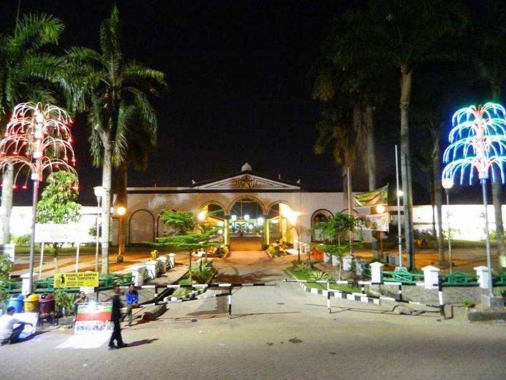 Benteng di Palembang Ini Cantik Ketika Malam