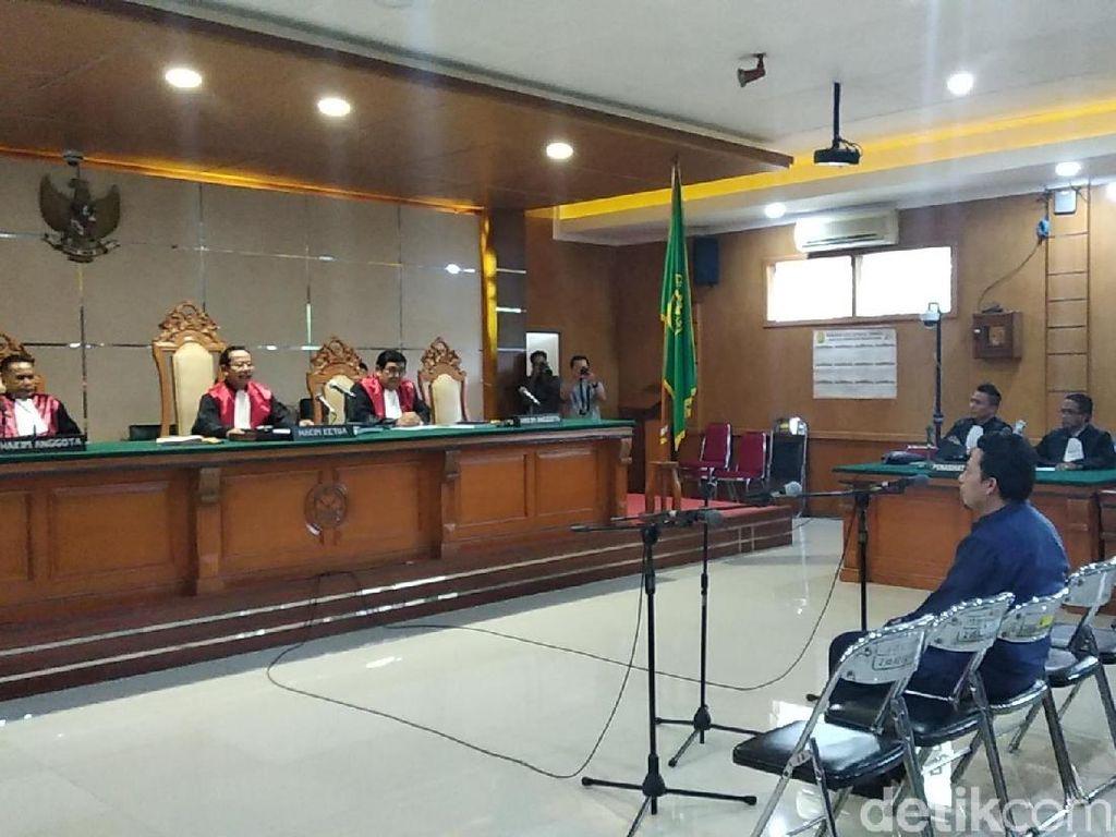 Uang Hasil Pemerasan Kepsek Diserahterimakan di Masjid Raya Cianjur