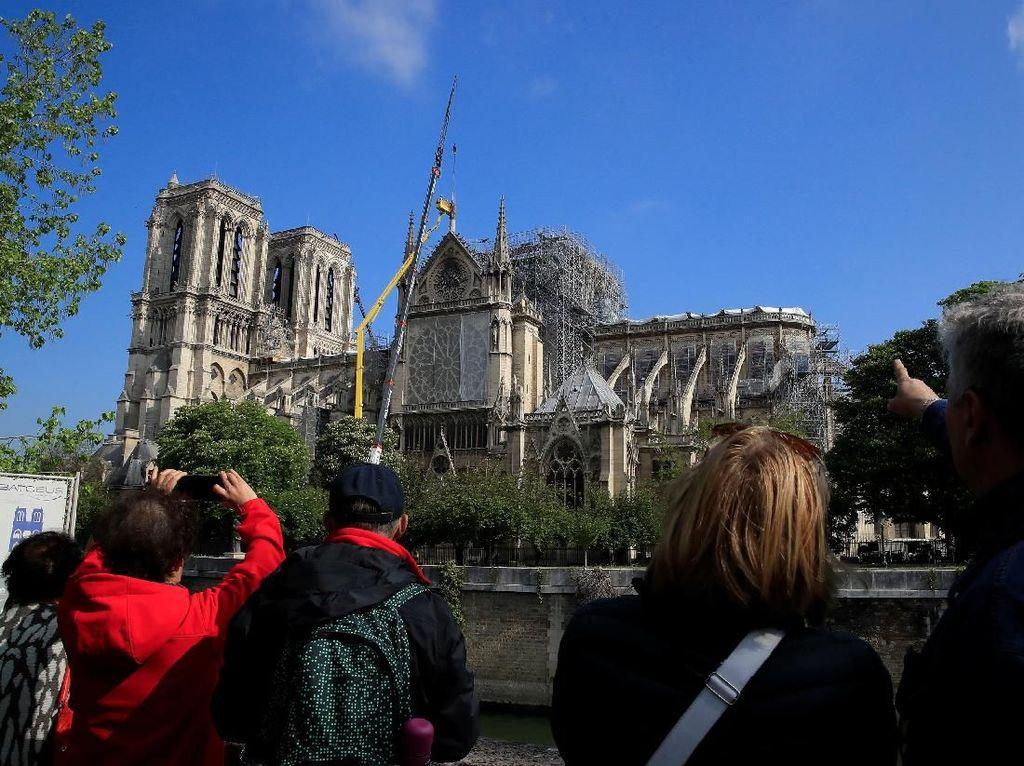 Mandek Akibat Corona, Restorasi Notre Dame Kembali Dilanjutkan
