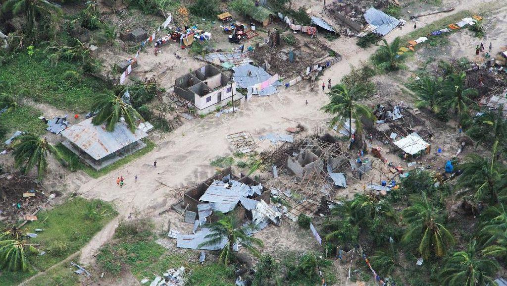 Foto Udara Dampak Ganasnya Badai Kenneth di Mozambik