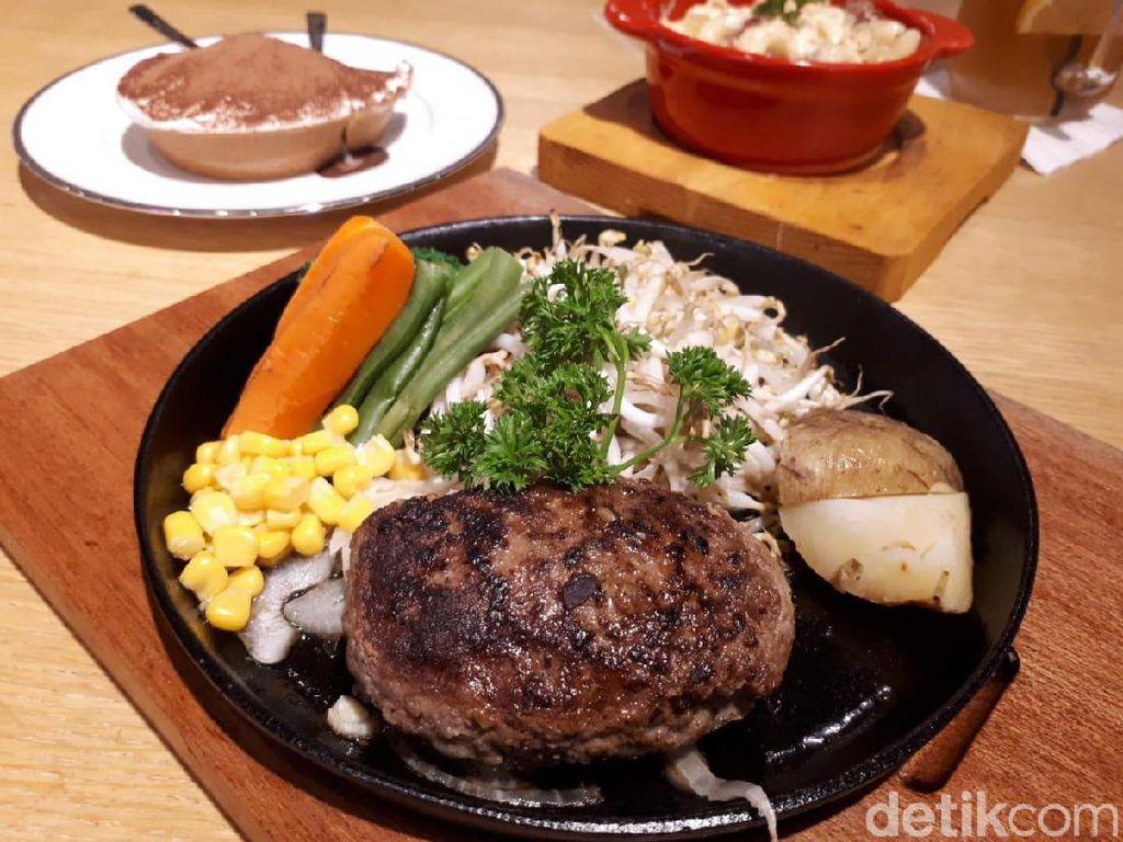 Perut Kenyang Santap Hamburg Steak Lezat Berukuran 120 Gram
