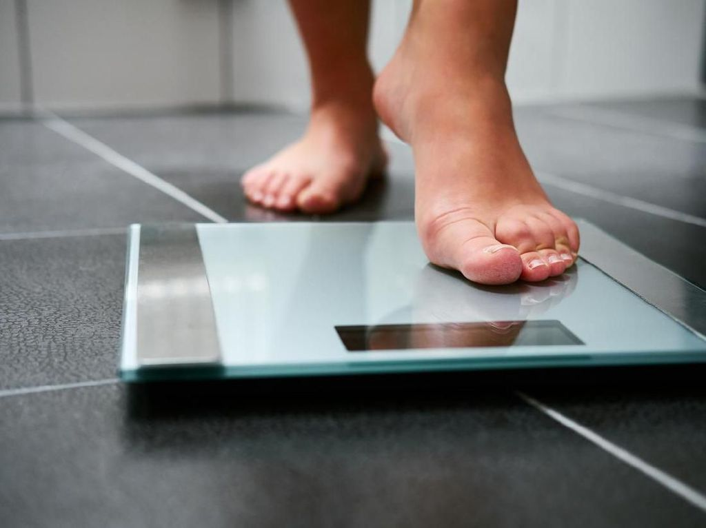 7 Tips Menurunkan Berat Badan Secara Alami yang Teruji Ilmiah