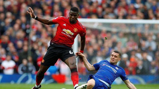 Paul Pogba (kiri) ngotot ingin tinggalkan Manchester United di musim ini.