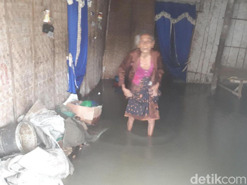 Sungai Meluap Akibat Hujan Deras, Dua Desa di Bojonegoro Kebanjiran