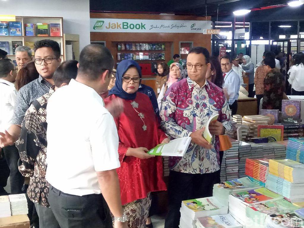 Tingkatkan Minat Baca Warga, Anies Bangun Sentra Buku di 5 Pasar DKI