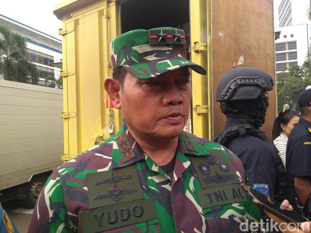 2 Kapal Coast Guard China Masih di ZEE RI, TNI: Lintas Damai, Tak Dilarang