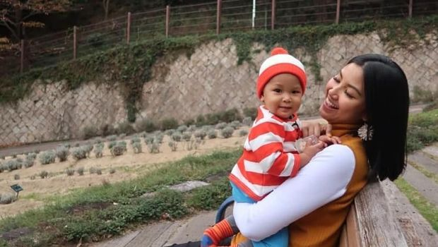 Zivanna Letisha dan anaknya
