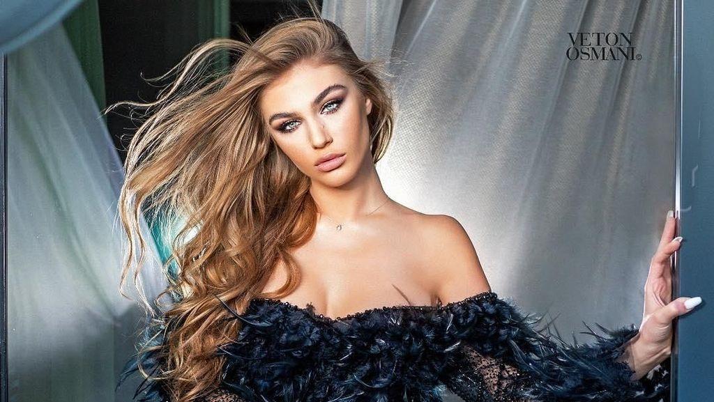 Gaya Seksi Miss Universe Albania, Kontroversial Karena Dulu Tukang Bully