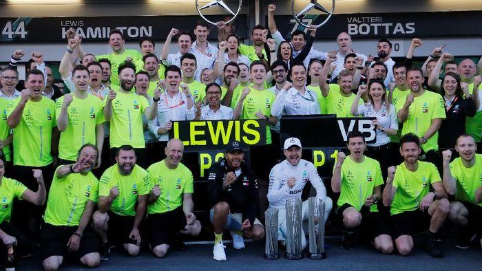Lewis Hamilton dan Valtteri Bottas mendominasi F1 2019 dengan masing-masing dua kemenangan dalam empat balapan pertama (Foto: Anton Vaganov/Reuters)