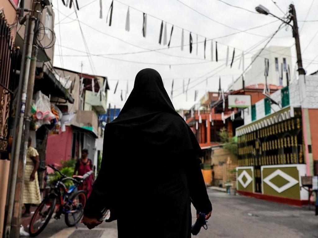 Presiden Sri Lanka Larang Pemakaian Cadar Pasca Bom Paskah