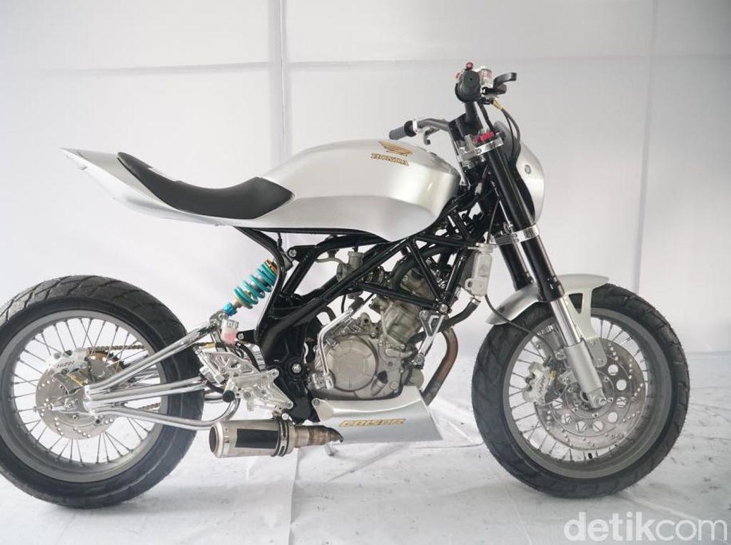 Honda CB150R Bondol Ini Tampil Makin Sangar