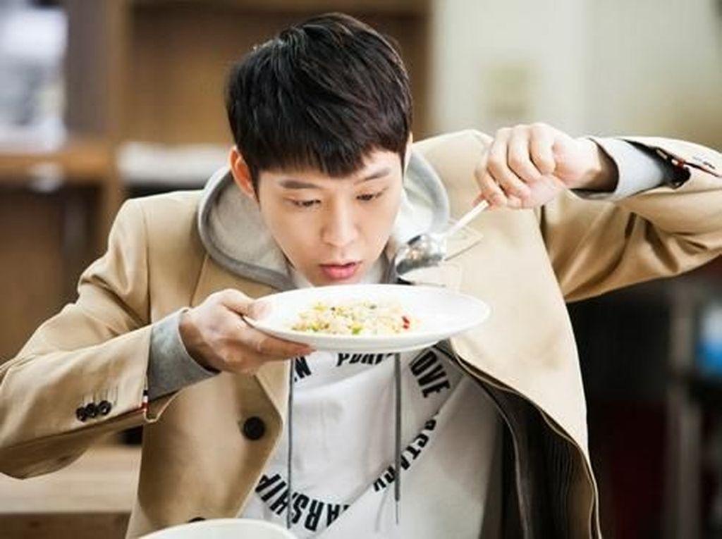 Sebelum Terjerat Kasus Narkoba Bintang Kpop, Park Yoochun Hobi Kulineran