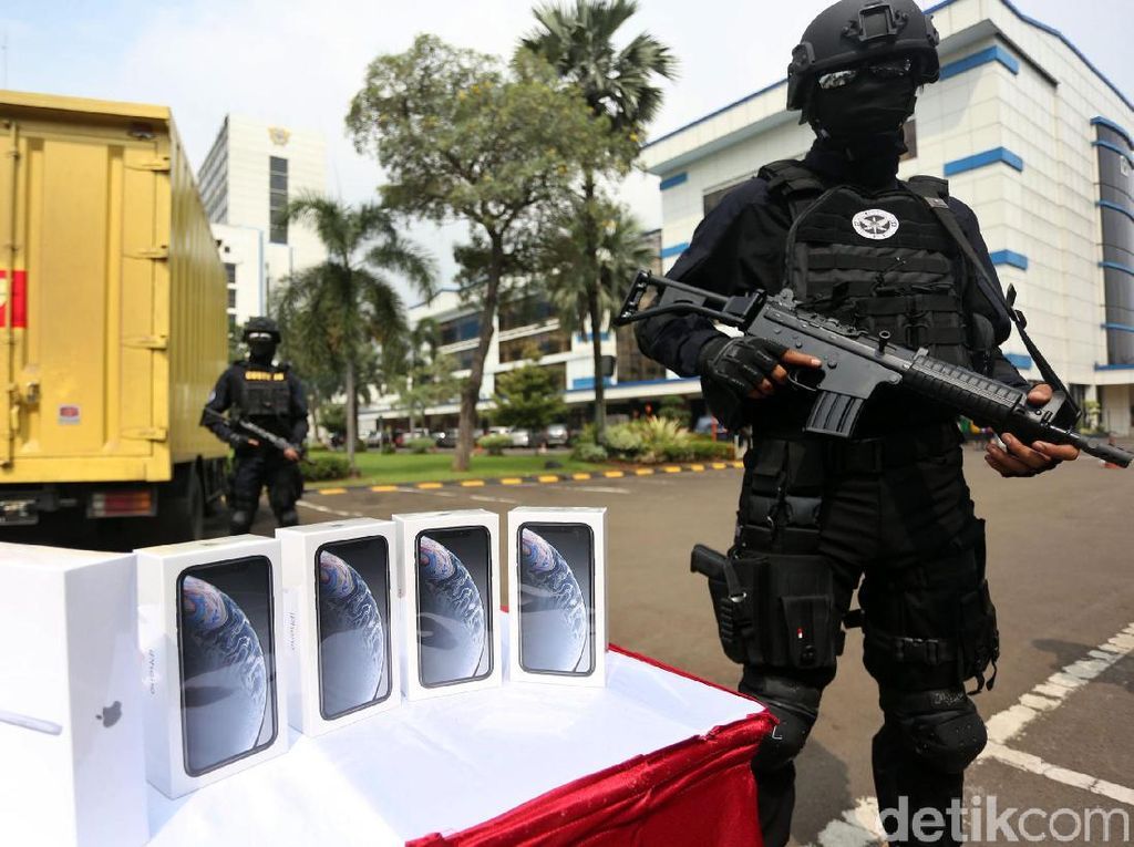 Bea Cukai Sita Laptop Hingga Ponsel Ilegal Senilai Rp 61 Miliar