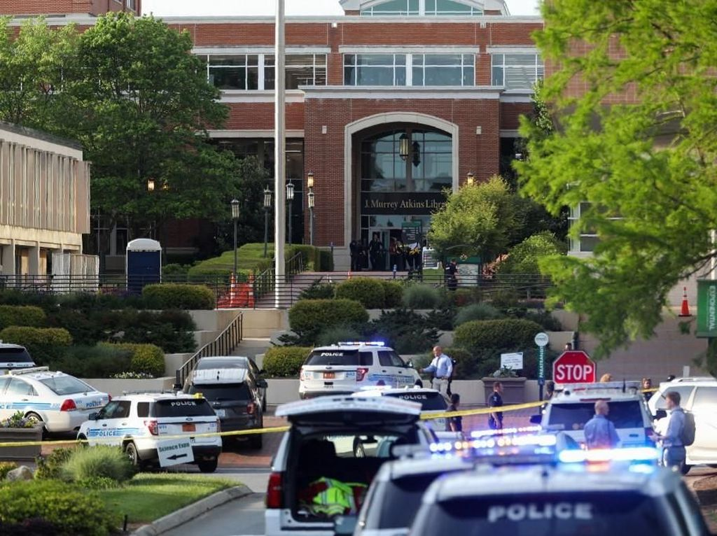 Suasana Pasca Penembakan di Universitas North Carolina