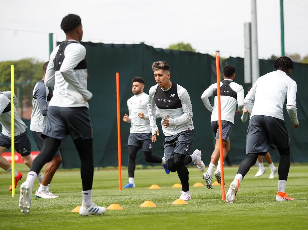 Kabar Baik untuk Liverpool, Firmino Ikut dalam Lawatan ke Barcelona