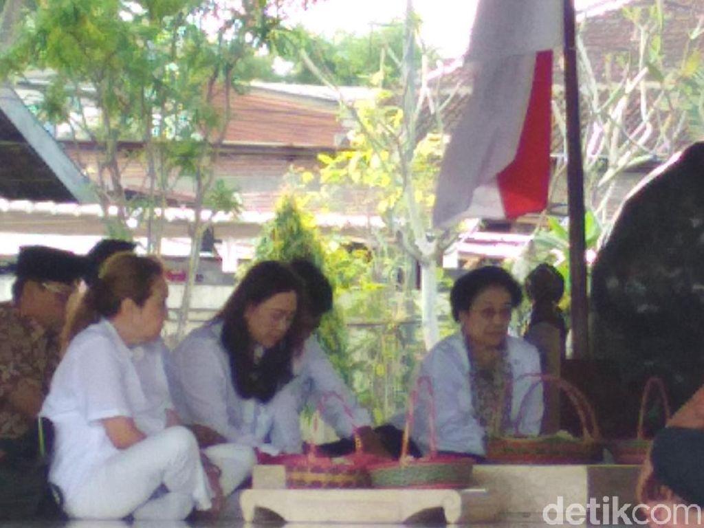 Tradisi Rutin Jelang Ramadan, Megawati Ziarah Makam Bung Karno