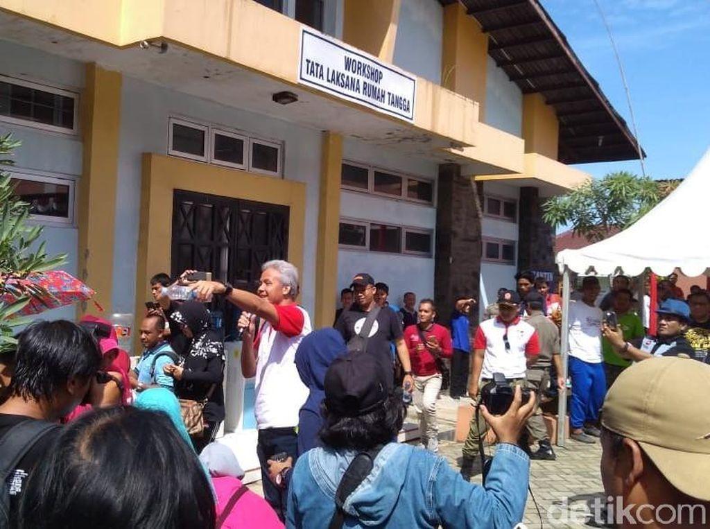 Jelang Puasa, Ganjar Pantau Kebutuhan Pokok di Jawa Tengah