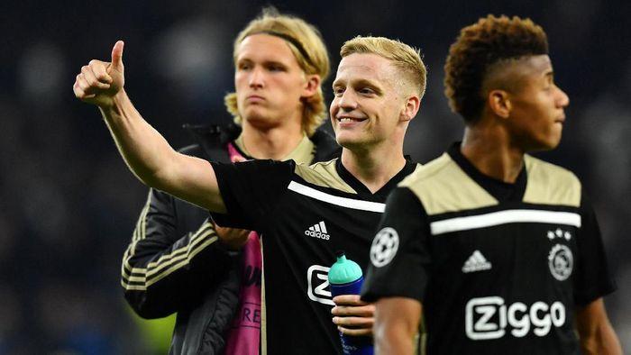 Donny van de Beek kabarnya diminati oleh Real Madrid (Foto: Dylan Martinez/Reuters)