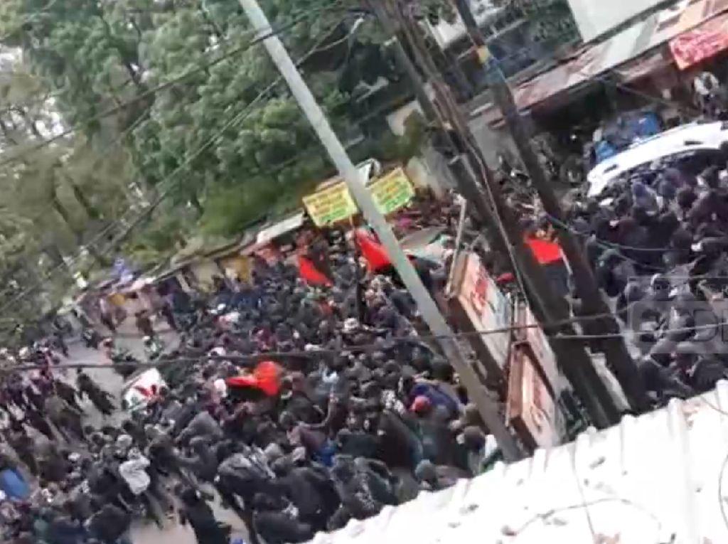 Polisi Buru Otak Penggerak Kelompok Anarcho-Syndicalism di Bandung